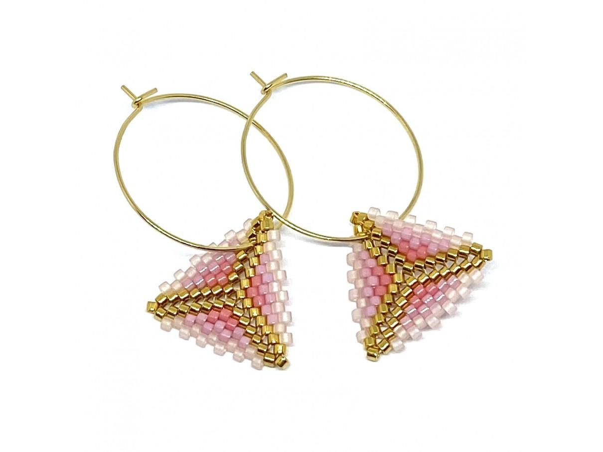 Håndsyede øreringe af Miyuki Delica perler i lyserød og guld