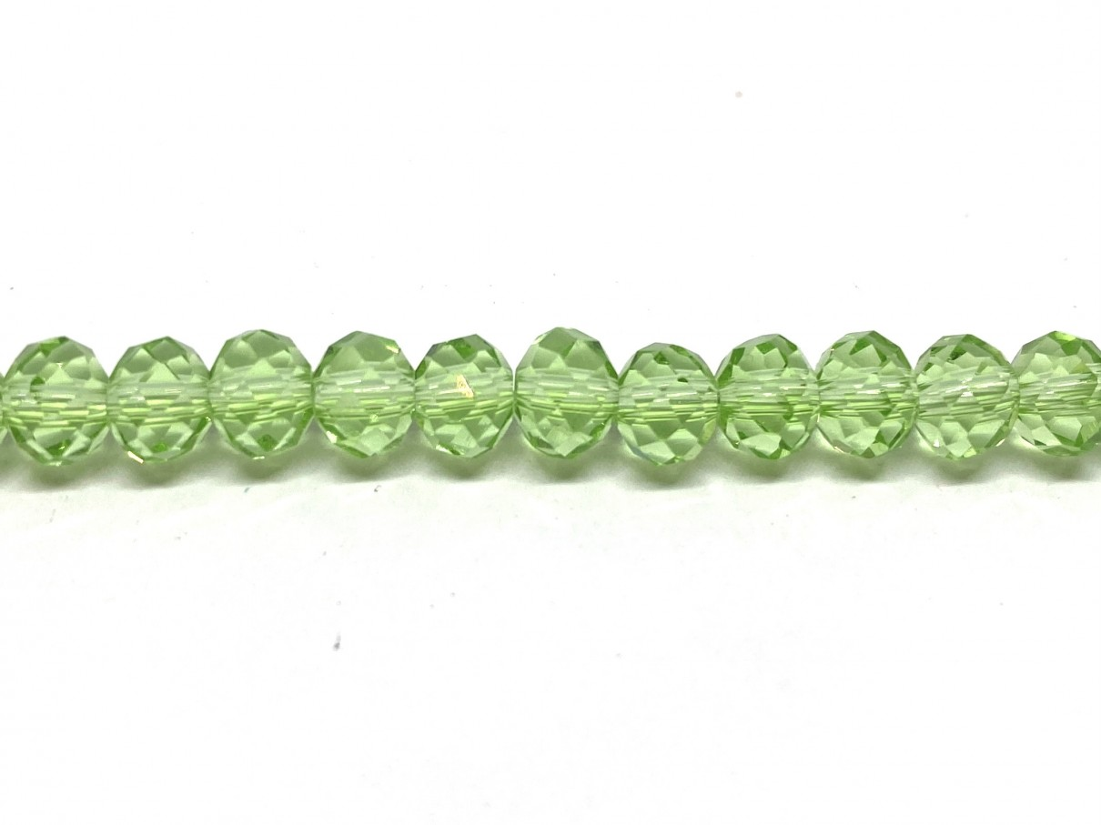 klare grønne facetslebne glasperler