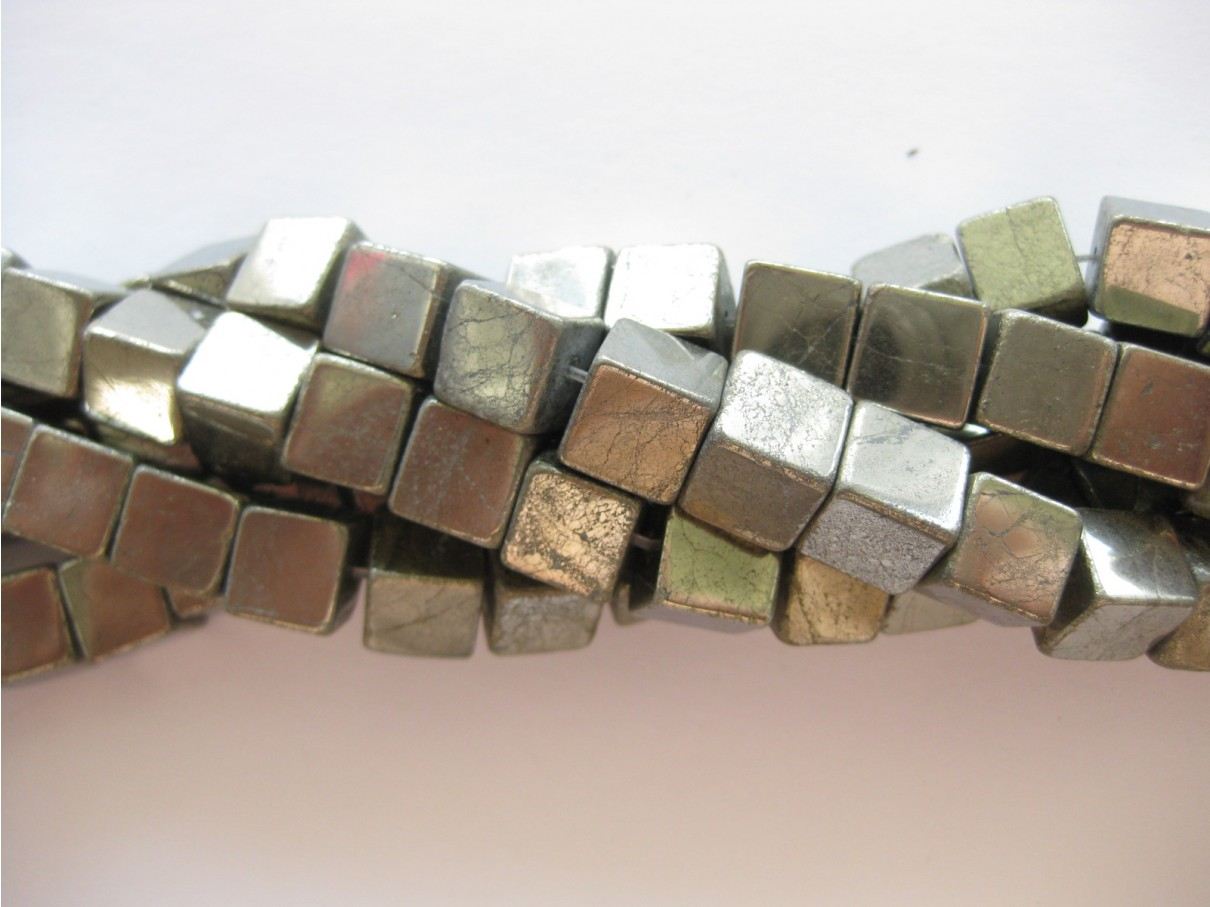 Pyrit, 10mm terninger