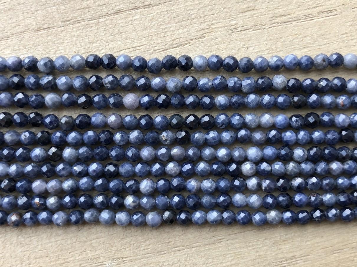 Blå safir, facetslebet rund 3-4mm, hel streng-31