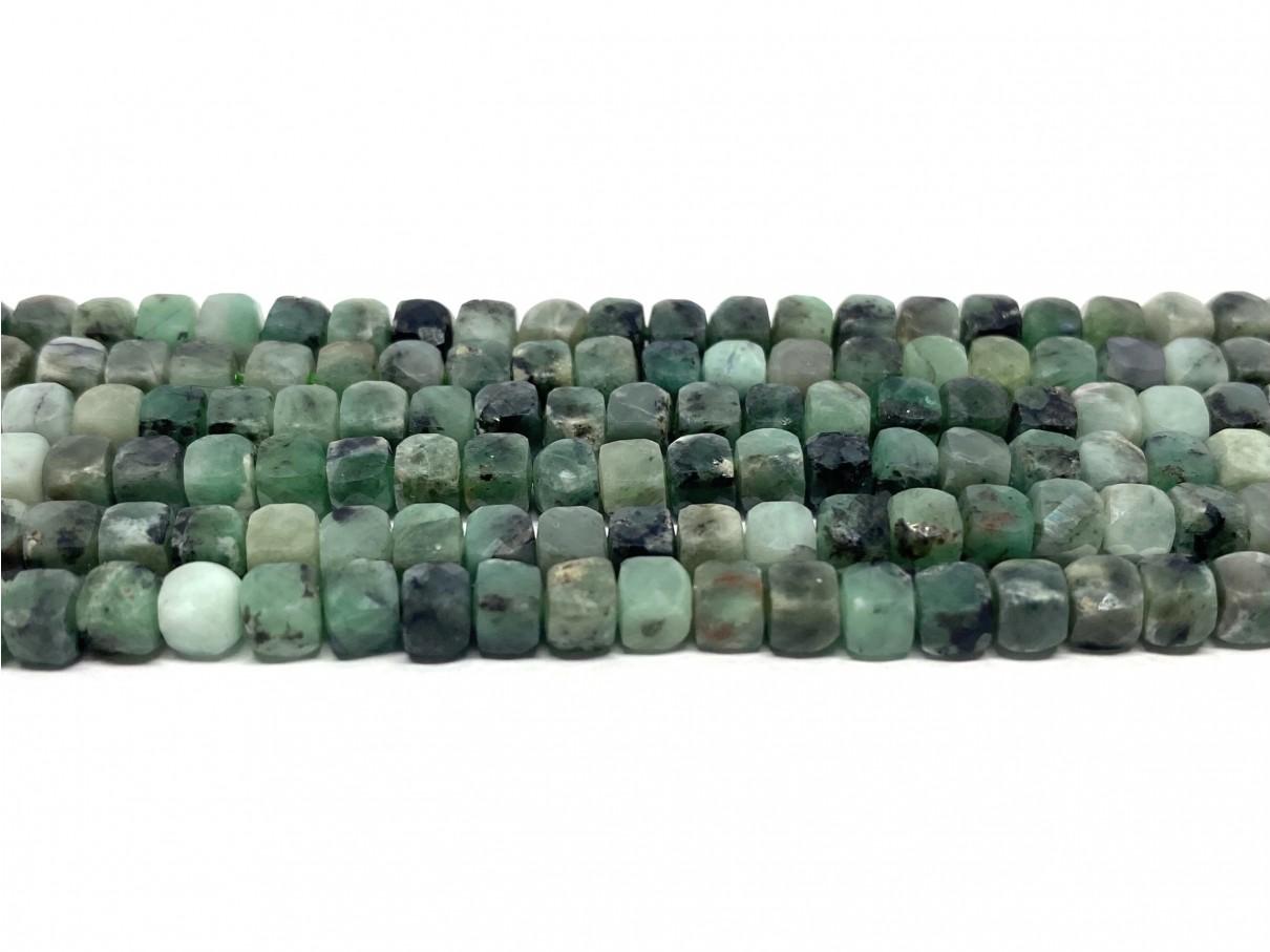firkantede smaragd perler