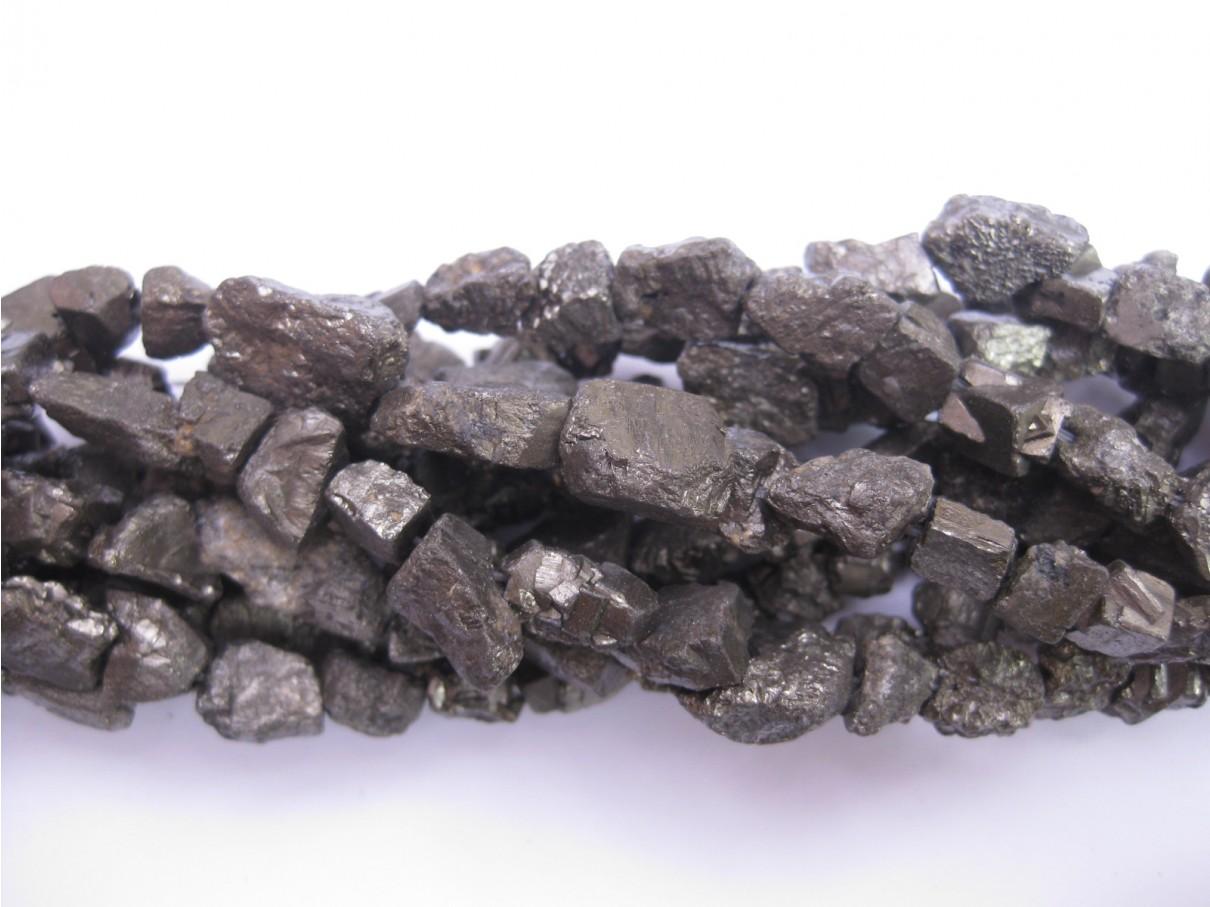 Pyrit, rå nuggets 7-15mm, hel streng