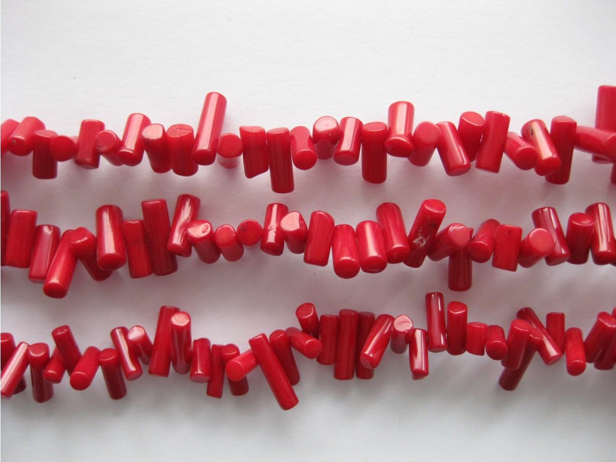 Rød koral, gennemborede coloumn 4x14mm, hel streng