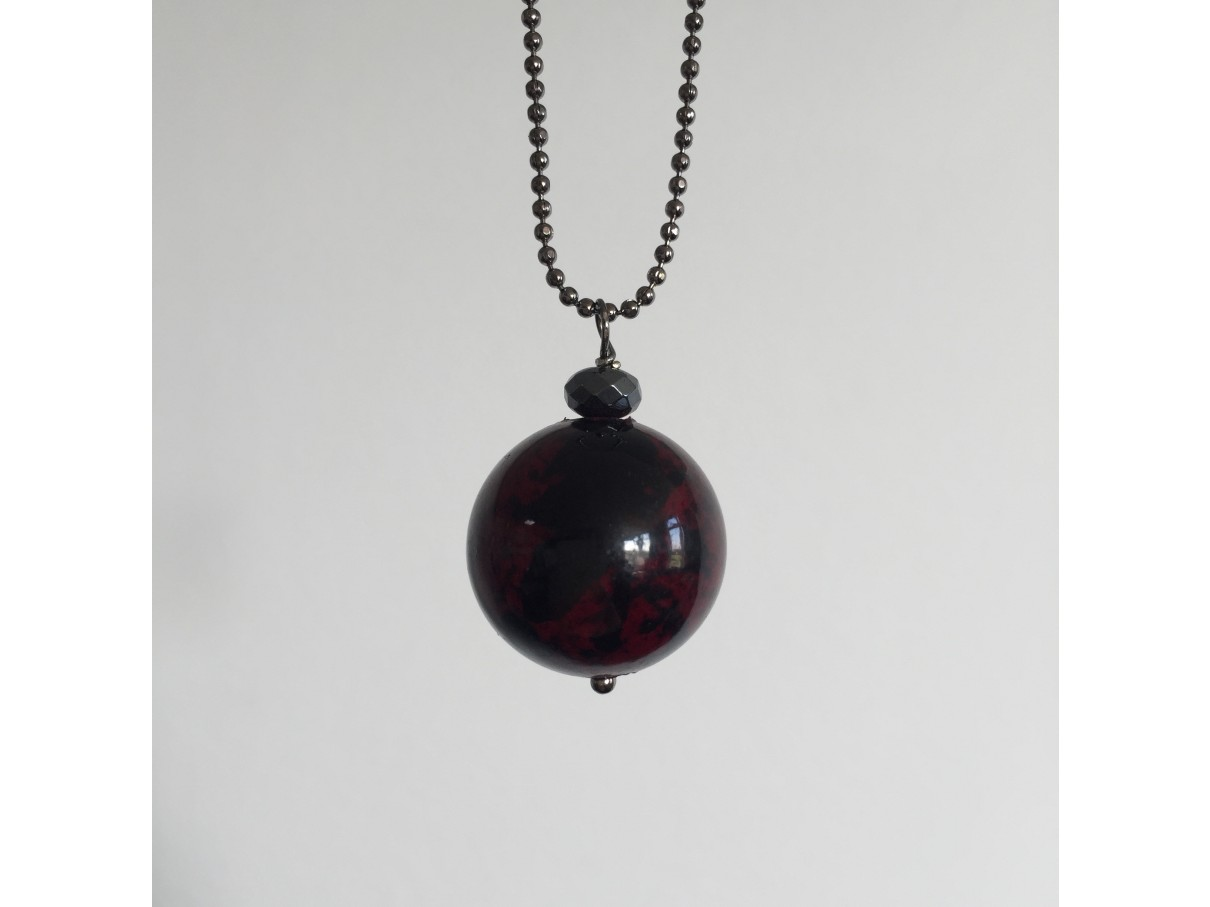 Kuglekæde m. farvet jade, meleret mørk rød-30