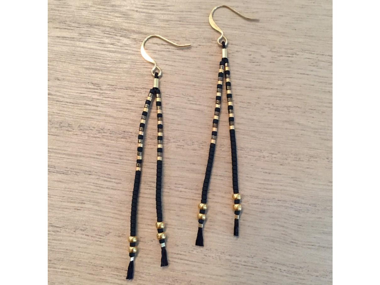 75c445a8d37 Sorte og guld tassel øreringe med miyuki delica perler på silkesnor