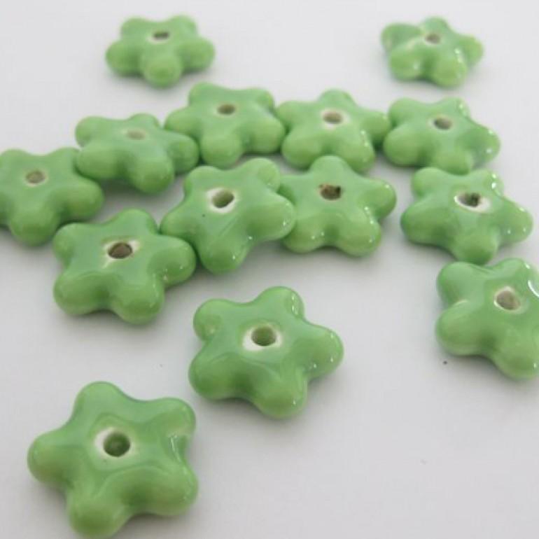 15mm grønne porcelænsblomster, 10 stk-30
