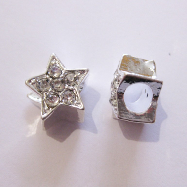 Sølvbelagt stjerne med rhinsten og stort hul-3