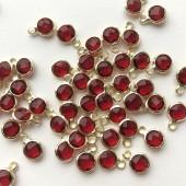 røde glasvedhæng med guldkant