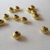 4,5x3,2mm forgyldte rillede mellemleds perler, 20 stk-20