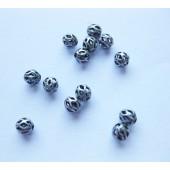 4mm antik forsølvede perler med hul mønster, 20 stk-20