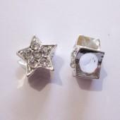 Sølvbelagt stjerne med rhinsten og stort hul-20