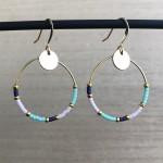 øreringe med flotte farver
