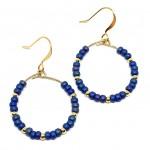 øreringe med blå perler og guld