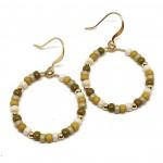 øreringe med Miyuki perler og guld