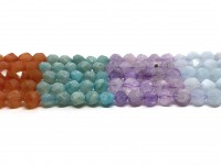 multifarvede slebne perler