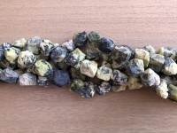 rå nuggets perler af gul turkis