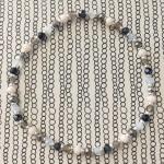 armbånd beige sølv nuancer