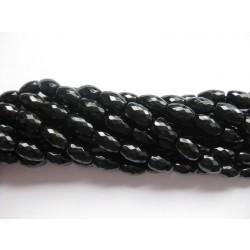 Onyx, facetslebne risformede perler 8x12mm, hel streng
